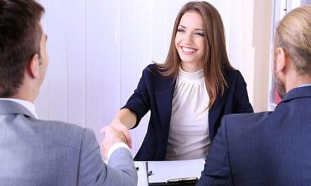 Vrouw krijgt moeilijker sollicitatiegesprek dan man