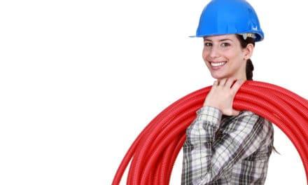 Wil je een loodgieter met persoonlijke aanpak? Kies voor een vrouw