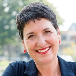 Vréneli Stadelmaier genomineerd voor Vrouw in Media Award! Stem op haar!