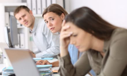 Vrouwen en jongeren missen empathie bij collega's