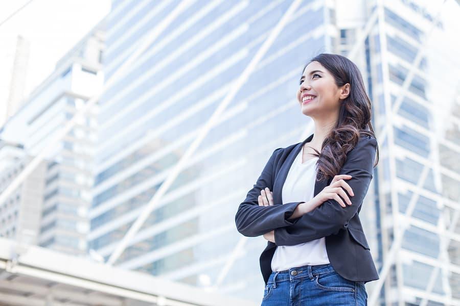 Vrouwen vinden carrièrekansen en salaris belangrijker dan mannen bij carrièreswitch