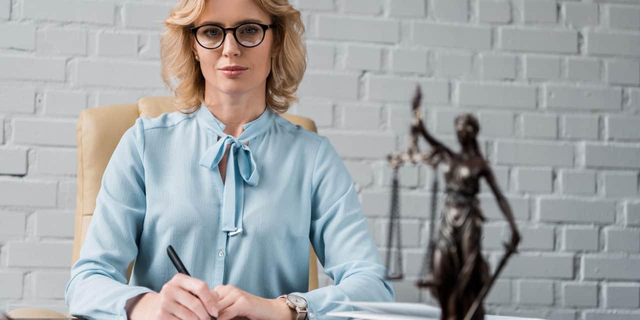 Opinie: vrouwen moeten ambitieuzer zijn in advocatuur