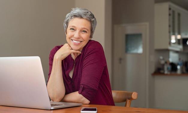 Dit is waarom we oudere vrouwen op de werkvloer nodig hebben