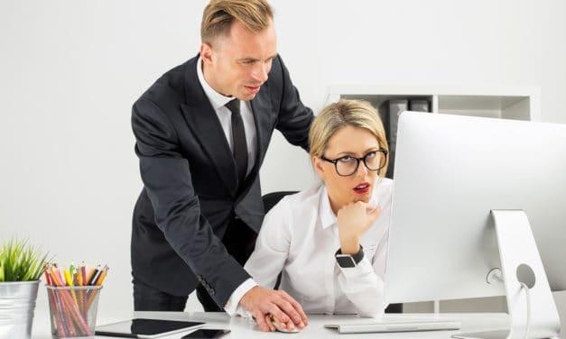 Vrouwen in leidinggevende posities vaker seksueel geïntimideerd