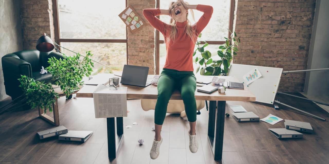 Waarom doen succesvolle vrouwen alsof hun leven een zooitje is?