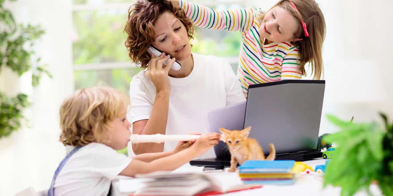 Rollenpatroon hardnekkig, vrouwen dubbel belast bij thuiswerken