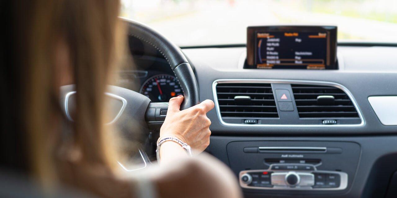 Vrouwen rijden veiliger dan mannen