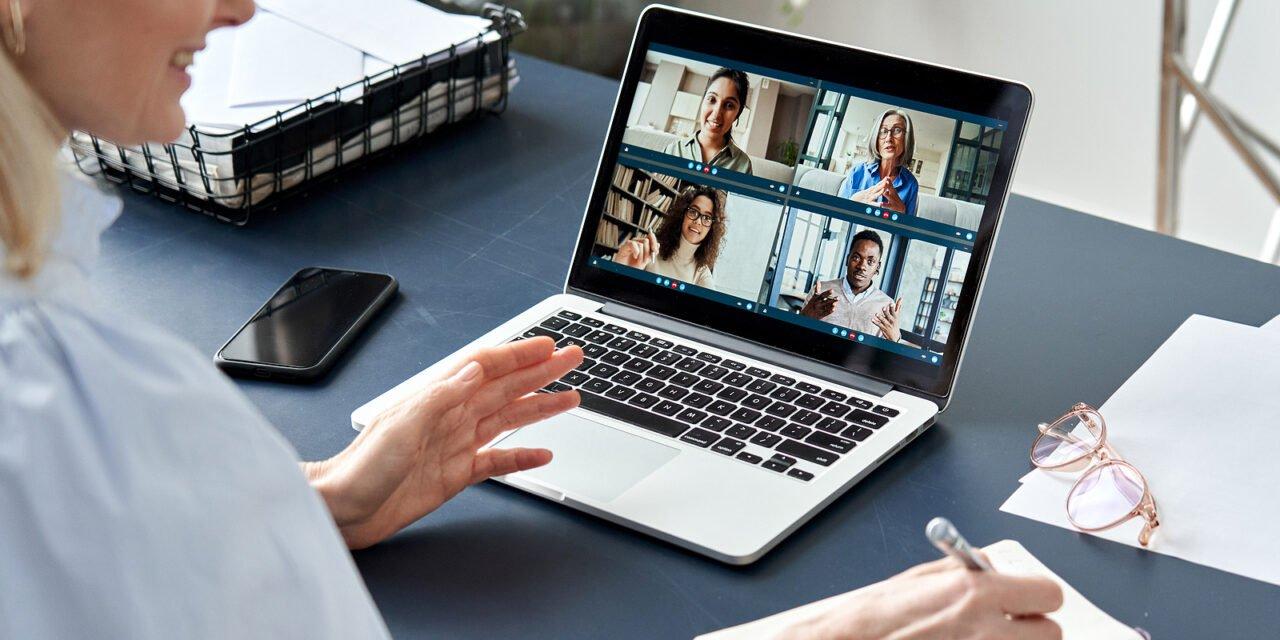 Vrouwen niet positief over online vergaderen